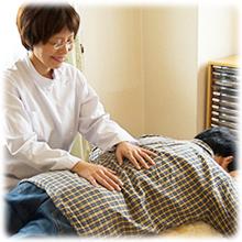 大阪のヒーリング整体院で腰痛の施術
